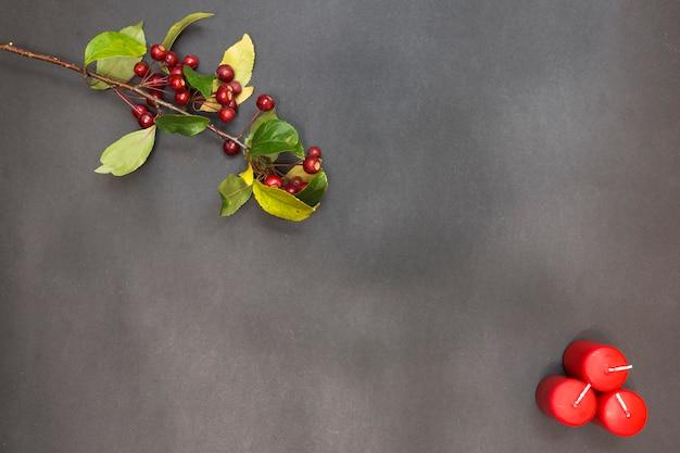 Wenskaart met vrolijke kerstmis van de decoratiepartij en gelukkig nieuw jaar