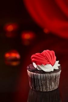 Wenskaartontwerp met muffin voor valentijnsdag