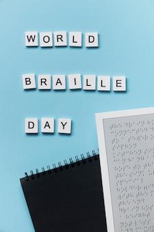 Wereld braille dagviering met notitieboekje