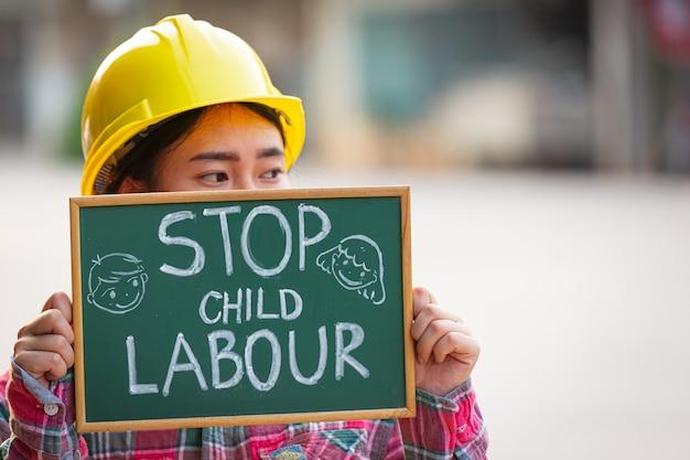 Werelddag tegen kinderarbeid concept