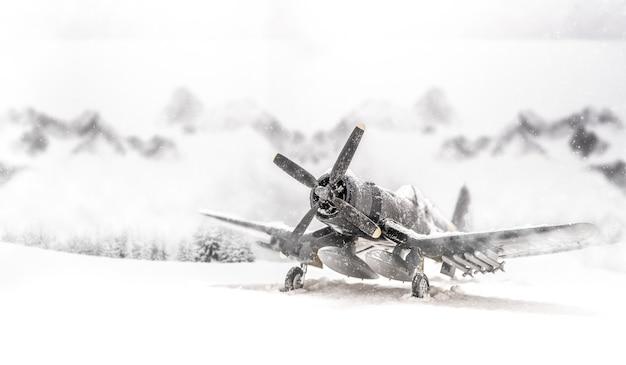 Wereldoorlog ii militaire vliegtuigen met zware sneeuwval