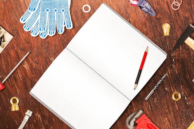 Werk tools op het bureau