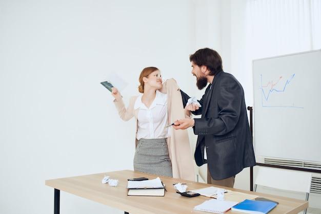 Werkcollega's officemanagers financieren emoties problemen