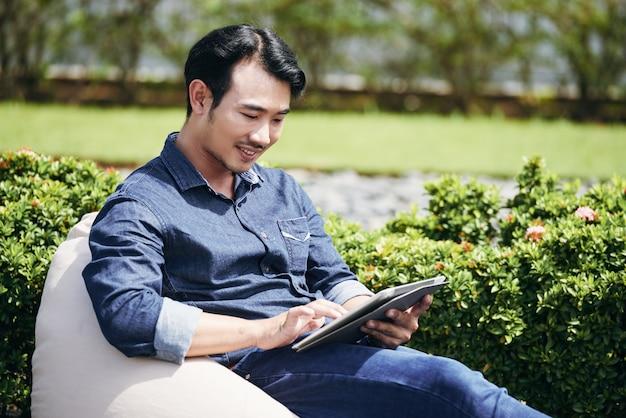 Werken op digitale tablet