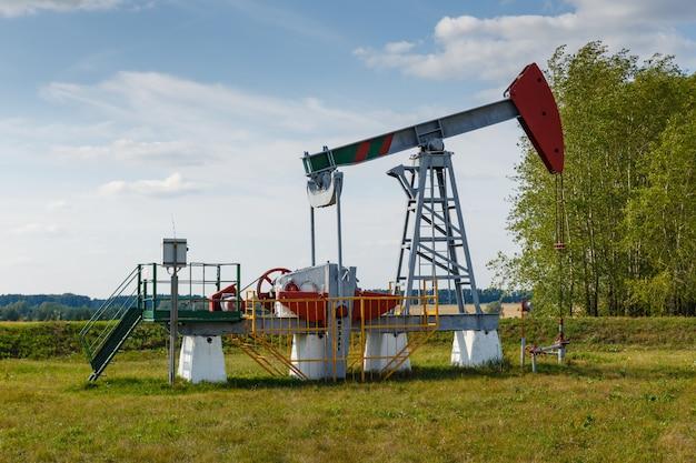 Werkend olie- en gasbronolieveld