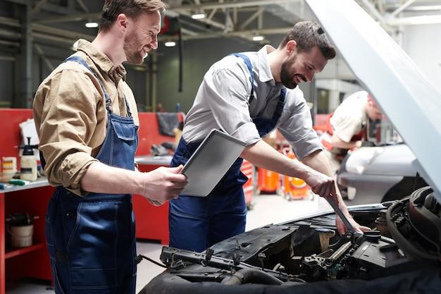 Werknemers auto in dienst controleren