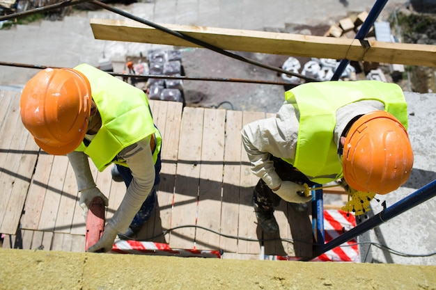 Werknemers bouwers bouwconstructie