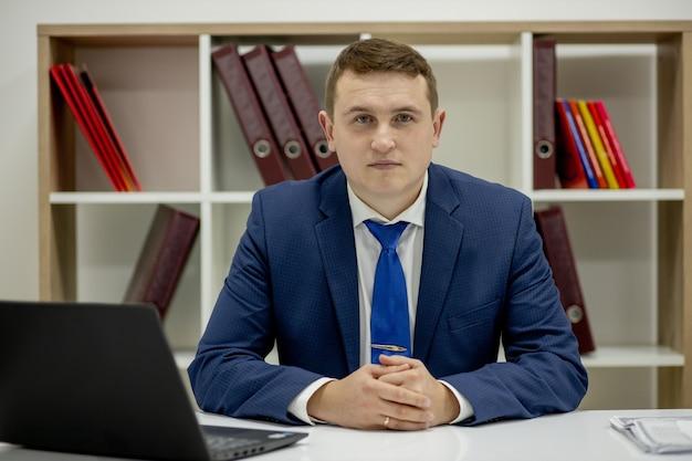 Werkplaats advocaat succes kraag uitvoerend notaris