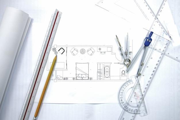 Werkplaats van architect. architecturaal plan, technisch project tekenen,