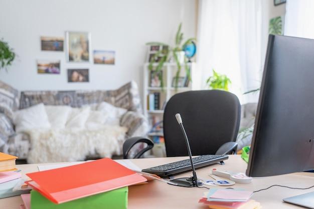 Werkplek thuis. afstandswerk. freelance.