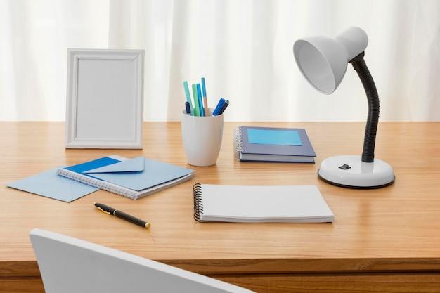 Werkruimtesamenstelling met notitieboekje