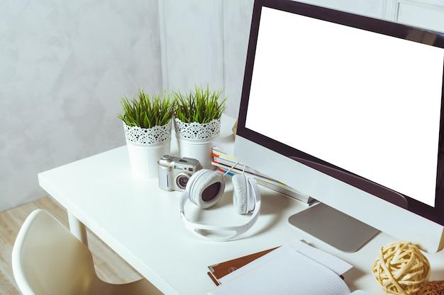 Werktafel met computer