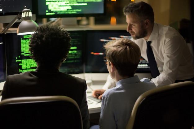 Werkvergadering van getalenteerde programmeurs