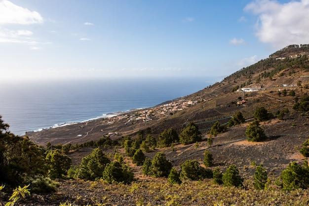 Westkust van het eiland palma op de canarische eilanden cumbre vieja natural park vulkanen