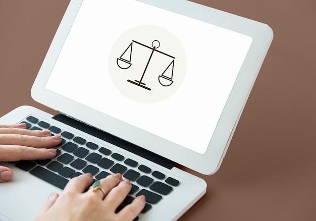 Wet oordeel justitie gelijkheid concept Gratis Foto
