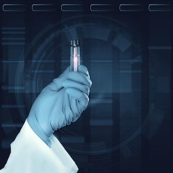 Wetenschappelijk monster in gehandschoende hand