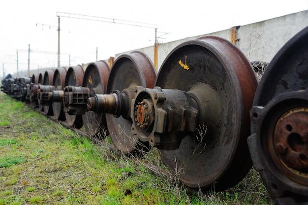 Wielen van de trein op de reparatieafdeling