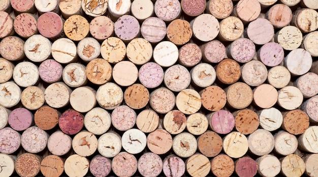 Wijn kurkt stapel
