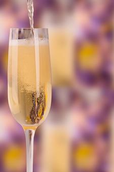 Wijnglas met champagne