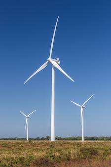 Windgeneratorsets voor energieopwekking.