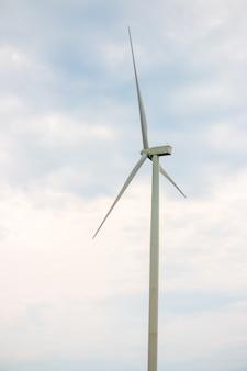 Windturbine boerderij stroomgenerator voor de productie van hernieuwbare groene energie