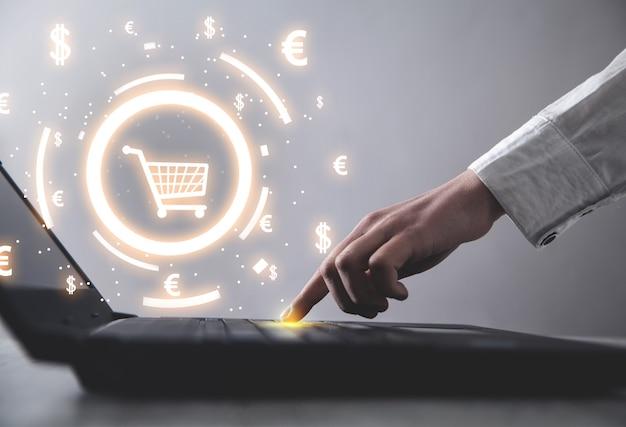 Winkelwagen en valutasymbolen. online winkelen