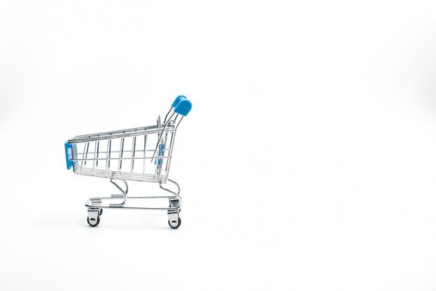 Winkelwagen geïsoleerd op wit. markt, verkoop en consumentisme.