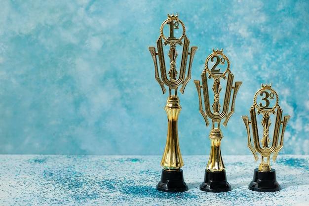 Winnaarconcept met prijzen voor alle plaatsen
