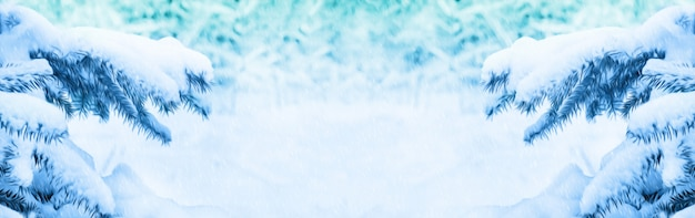Winter kerst. achtergrond voor design met sneeuw bedekte takken