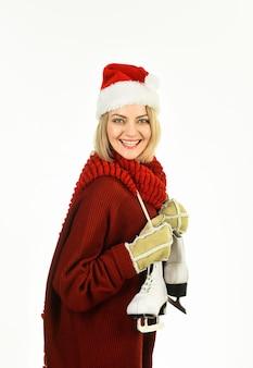 Winter vrije tijd vrouw met schaatsen wintertijd winter vakantie vakantie gelukkige vrouw met ijs