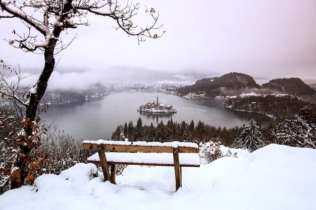 Winterlandschap bled lake travel slovenië europa