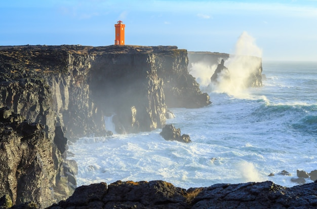 Winterstorm voor de kust van ijsland
