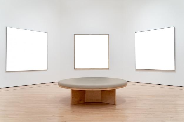 Wit concept drie in een museum