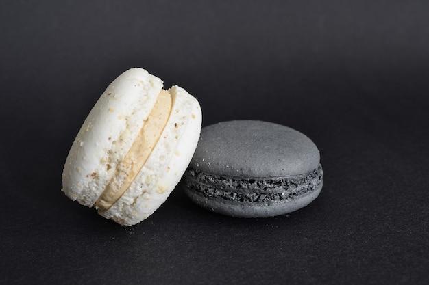 Wit en zwart bitterkoekjes arrangement
