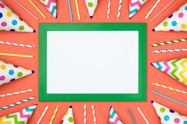 Wit kader op de kleurrijke mening van de lijstbovenkant