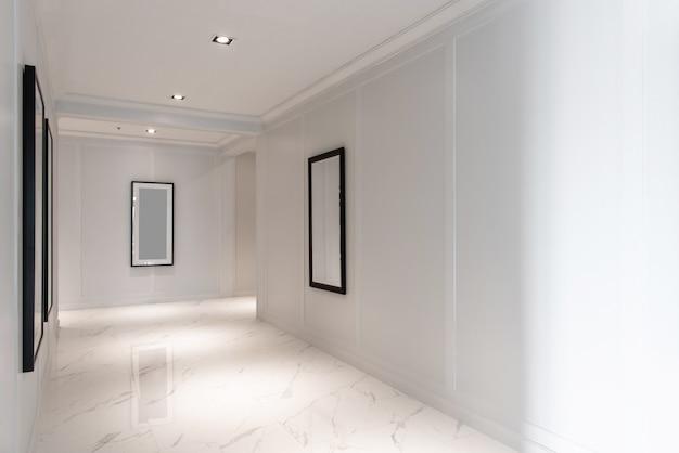 Wit marmeren vloertegels in looppaden,