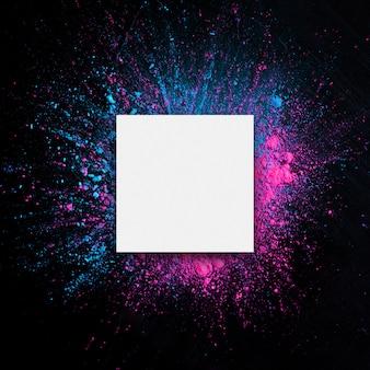 Wit papier met holi-kleurenframe.