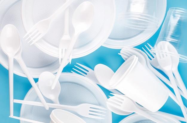 Wit plastic wegwerpservies