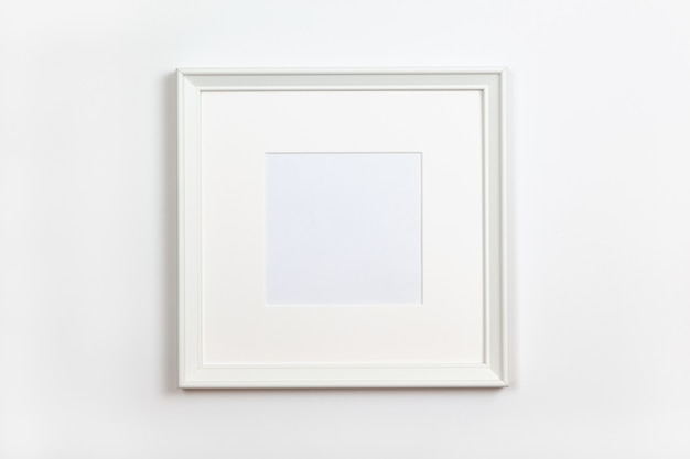 Wit schoon vierkant frame met passepartout op witte achtergrond