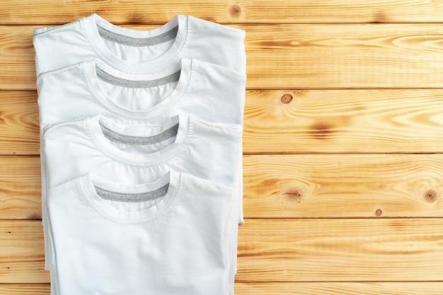 Wit t-shirt met kopie ruimte voor uw ontwerp. mode concept