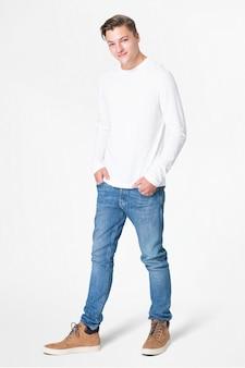Wit t-shirt met lange mouwen heren basiskleding full body
