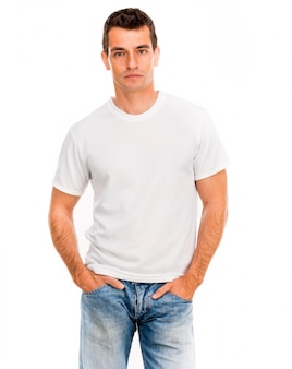 Wit t-shirt op een jonge man
