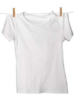 Wit t-shirt op waslijn