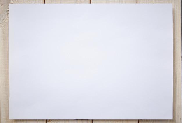 Witboek blanco mockup voor tekenen of lay-out