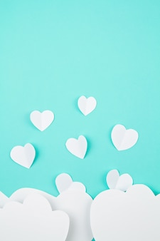 Witboek harten en wolken. sainte valentine, moederdag, verjaardagswenskaarten, uitnodiging, vieringsconcept