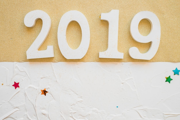 Witte 2019-inscriptie op de lichttafel