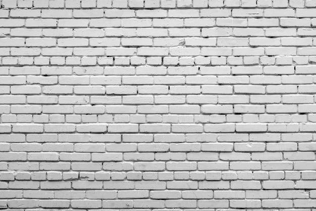 Witte bakstenen muur gevel van een oud gebouw