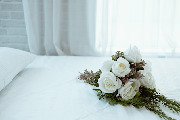 Witte bruids bruiloft roze bloemboeket