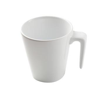 Witte ceramische mok die op een wit wordt geïsoleerd.
