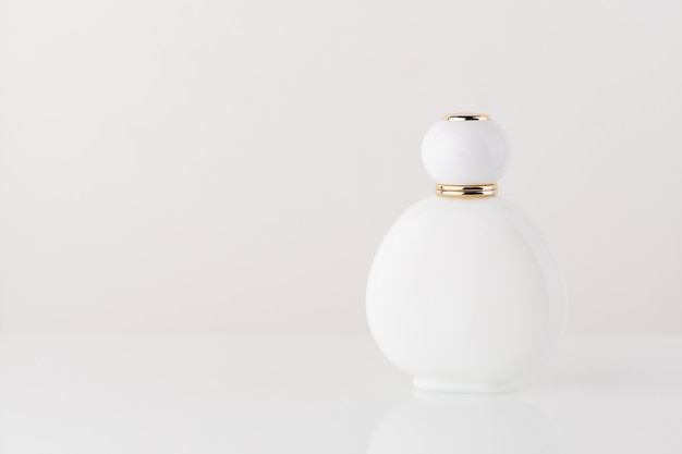 Witte cosmetische parfumachtergrond